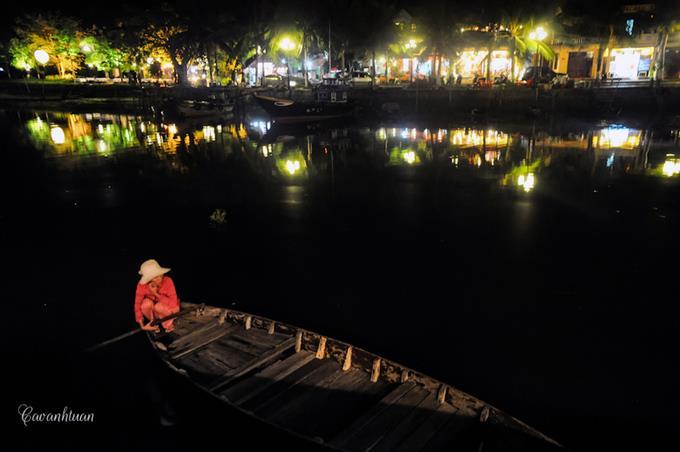 [góc ảnh] Dòng sông Hoài bình yên giữa phố cổ Hội An