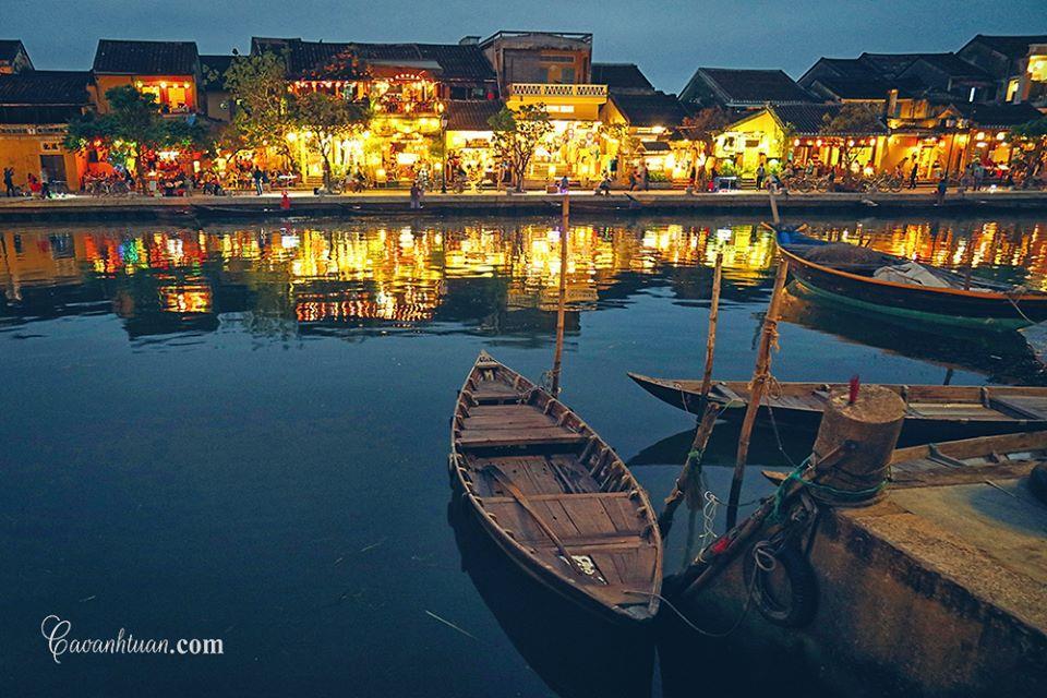 [góc ảnh] Đêm trên bến sông Hoài