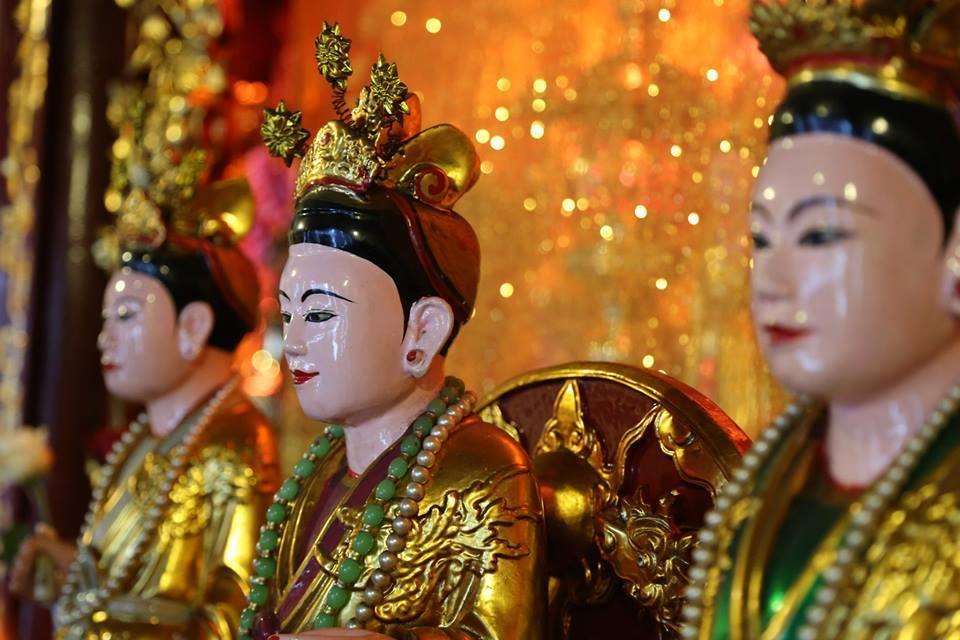 Tìm hiểu về tín ngưỡng thờ Mẫu Tam phủ – Tứ phủ