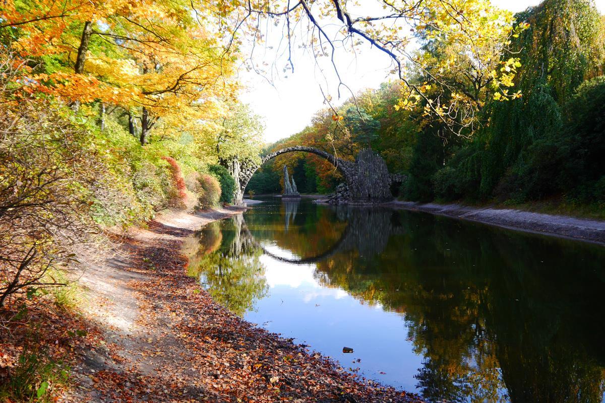 Những hình ảnh đẹp về cây cầu của quỷ Rakotzbrücke ở Đức