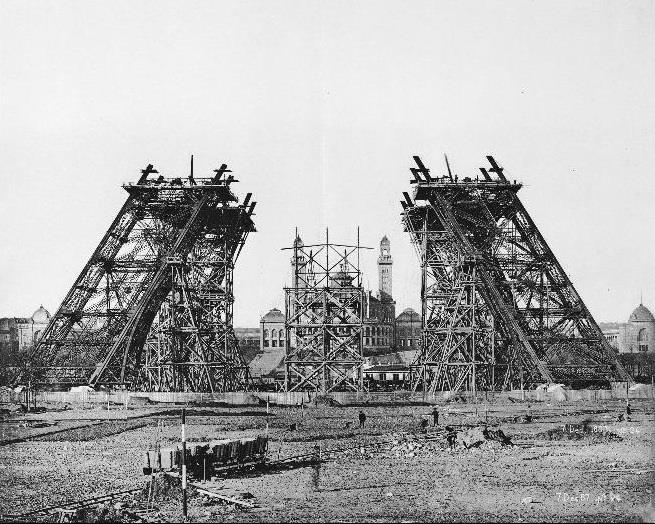 11 điêu kì lạ về tháp Eiffel mà bạn chưa biết