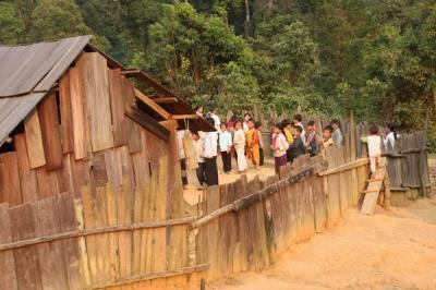 Chương trình  xây dựng trường lớp học cho các cháu Tây Nghệ An tại bản Huồi