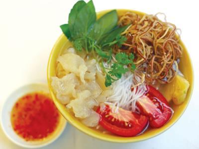 Bún Sứa Nha Trang món ăn đậm đà hương vị biển từ những miếng sứa trong veo