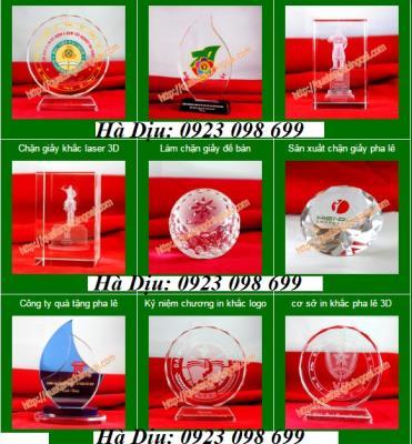 Chuyên cung cấp cúp pha lê, bán kỷ niệm chương pha lê, biểu trưng pha lê, khắc 3d pha lê