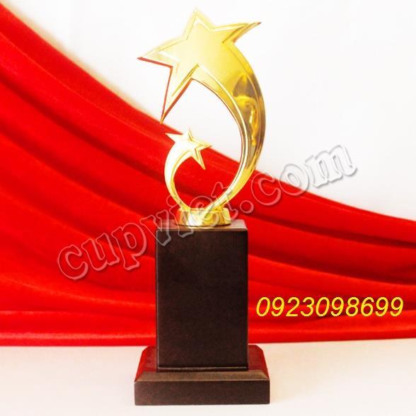 cúp kim loại, sản xuất cúp đồng, cúp biểu trưng, cúp mạ vàng, biểu trưng quà tặng