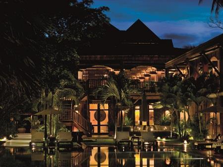 Những khách sạn nằm ẩn trong rừng khắp thế giới