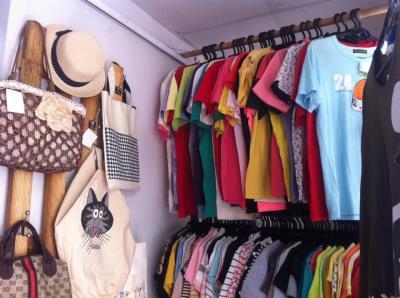 Giảm giá đồng loạt hàng hè cho đồ thời trang vintage