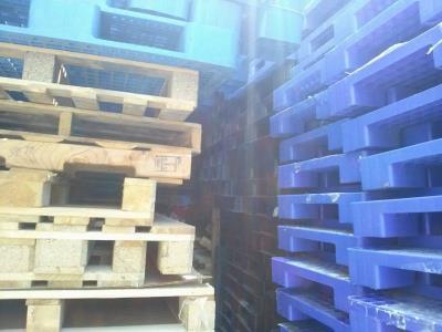 Chuyên cung cấp các loại Pallet gỗ, Pallet nhựa cũ, mới với giá rẻ nhất miền trung 0905681595
