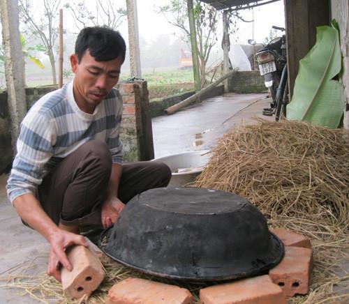 Độc đáo cá nướng úp thau tại Nam Định