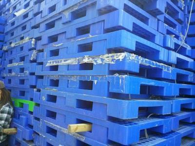 Pallet,pallet gỗ,pallet nhựa giá cực rẻ hàng cực tốt.0905681595