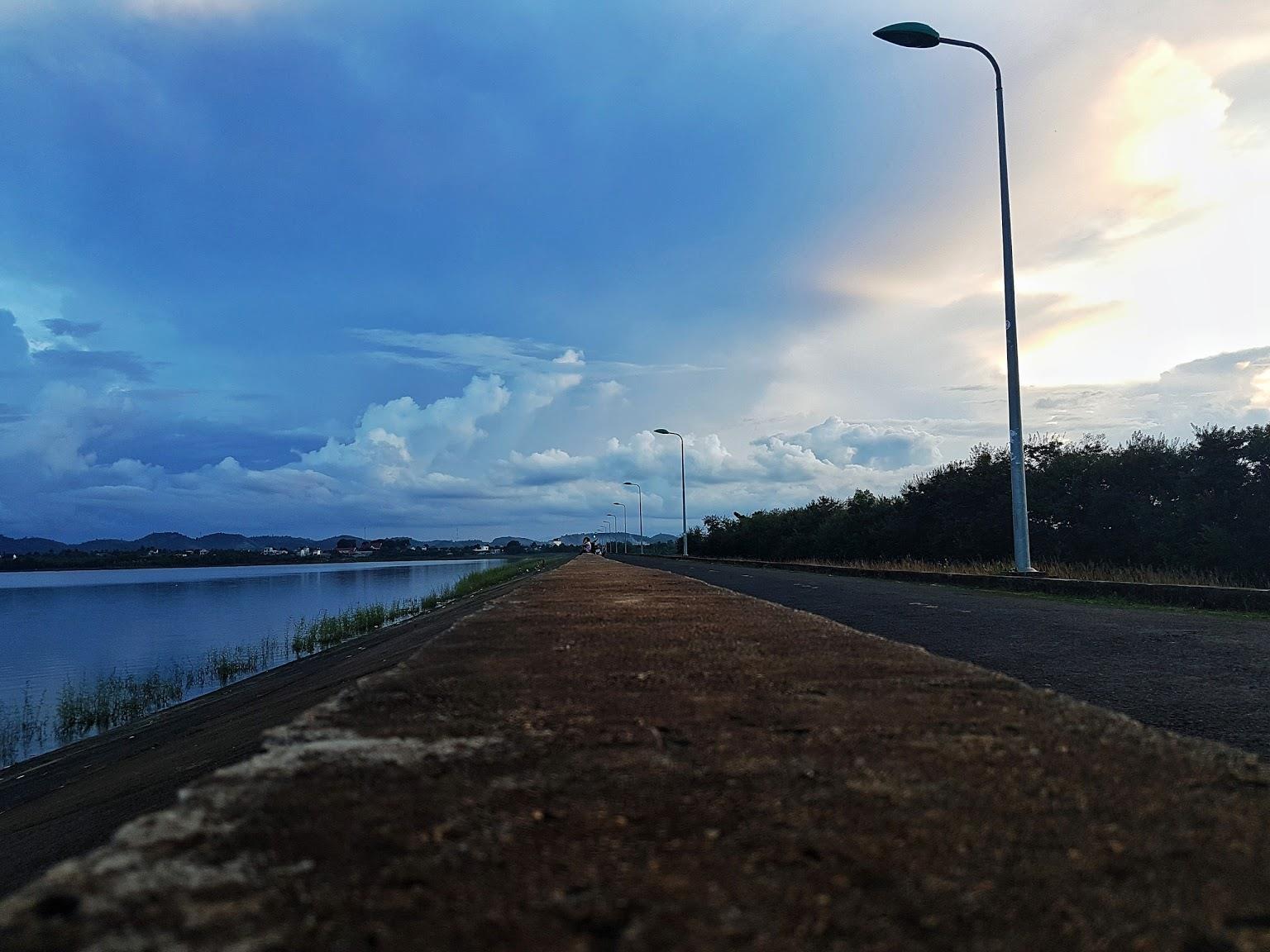 Về Buôn Ma Thuật lãng du trên hồ Ea Kao