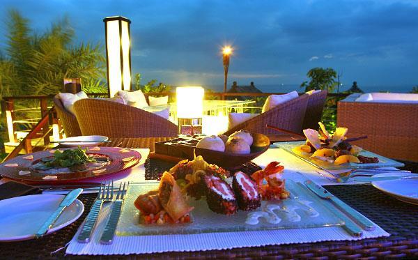 Nhà hàng có view đẹp mê hồn ở Phuket