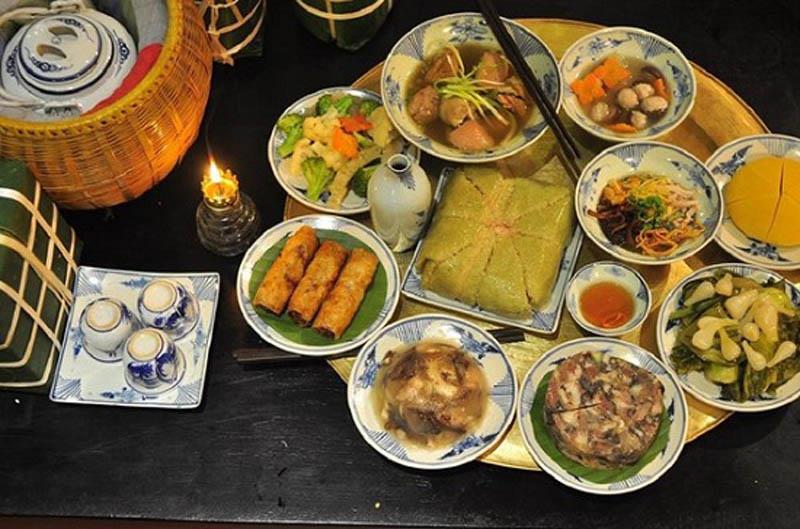 Mâm cơm ngày Tết của người Hà Nội