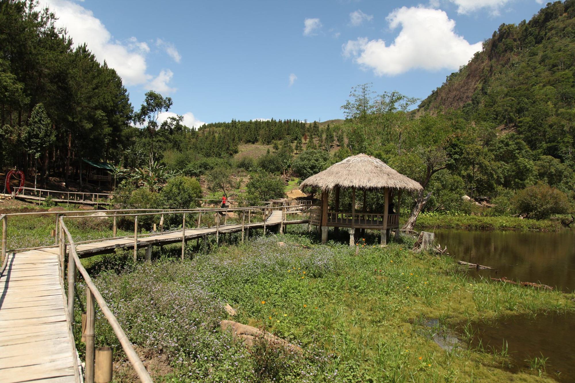 Hồ Noong – chốn bồng lai giữa cao nguyên lộng gió